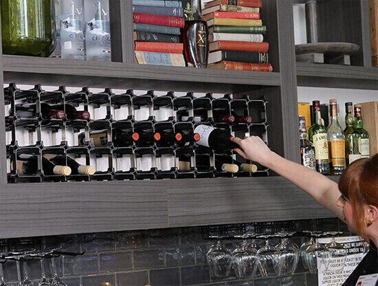 Få en vinreol, som passer ind lige præcis, hvor du har behov for det - kan tilpasses til dit behov!